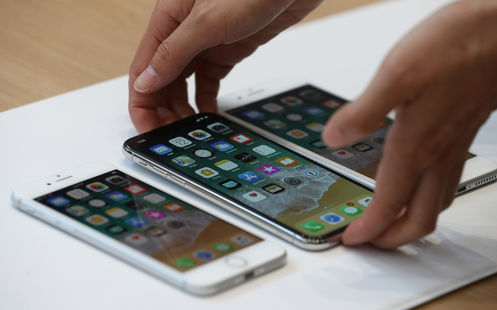No longer means better: Apple tolerates lower sales of flagship iPhones
